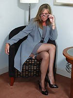secretary in nylons flashing and toying - Granny Girdles